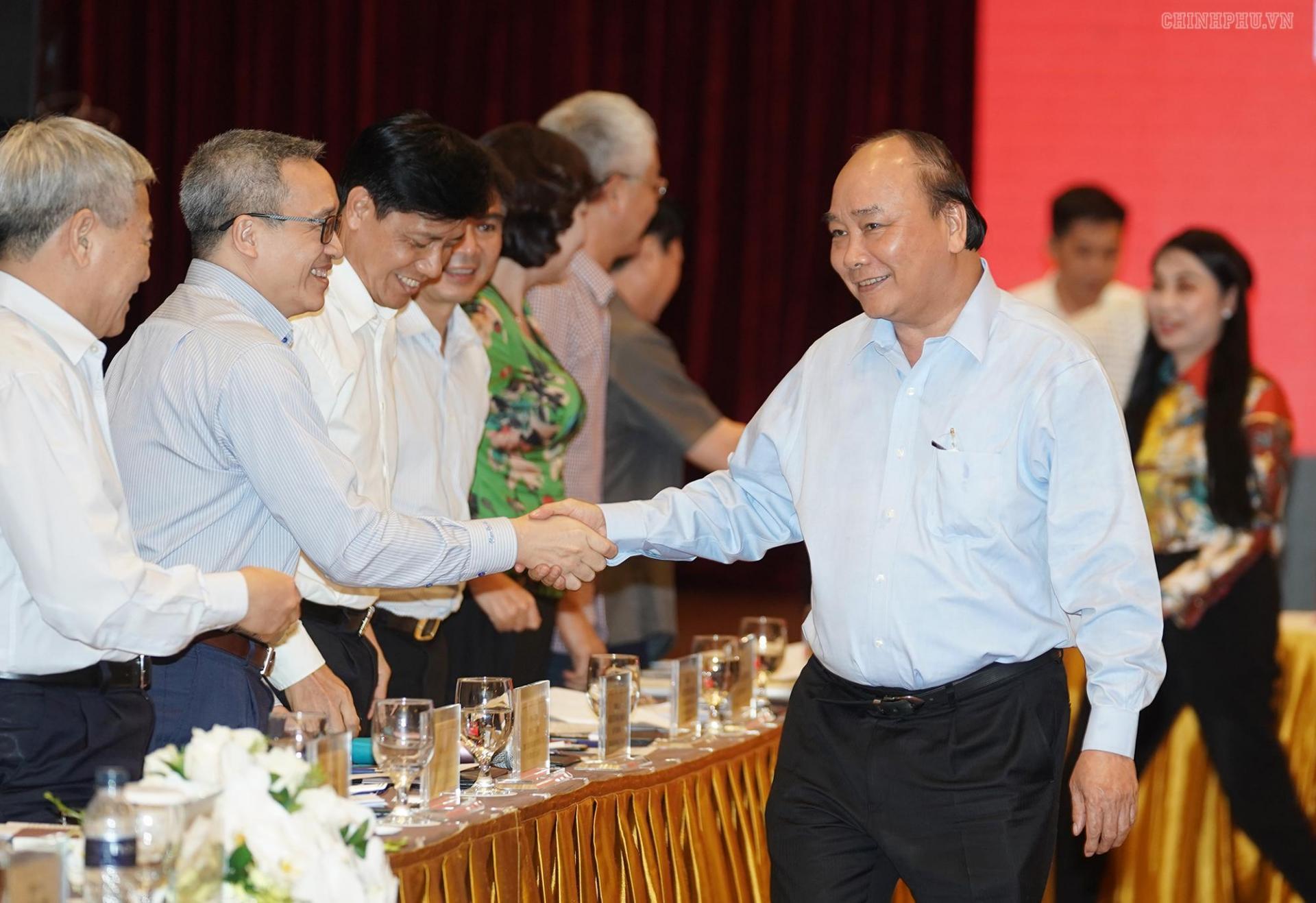 Thủ tướng cùng các vị đại biểu tại phiên họp