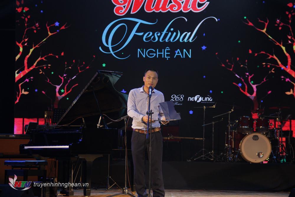Ông Vũ Quốc Nam - Trưởng BTC Music Festival Nghệ An 2019 phát biểu tại đêm chung kết
