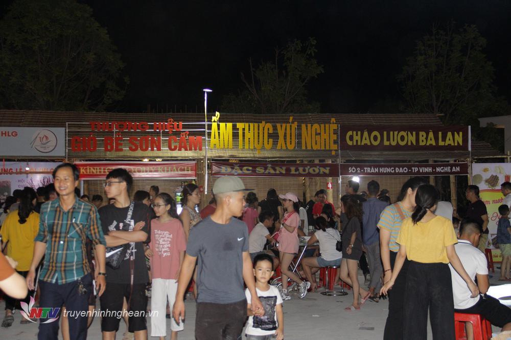 Nhiều thương hiệu ẩm thực gia truyền xứ Nghệ xuất hiện tại Lễ hội.