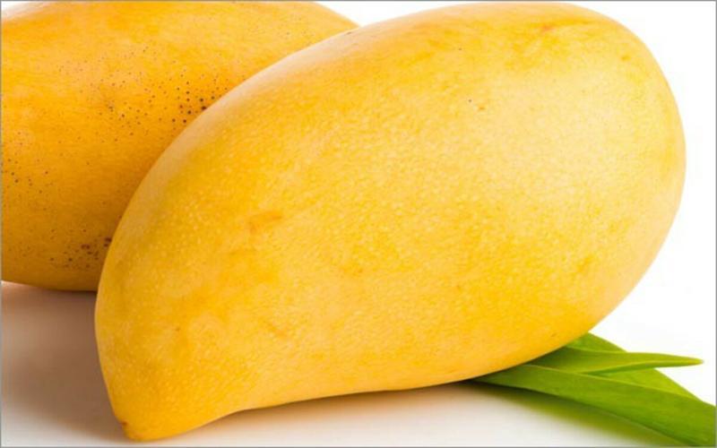Cải thiện làn da: Một cốc xoài còn cung cấp cho cơ thể đến 75% lượng vitamin C cần thiết mỗi ngày. Vitamin C rất cần thiết cho quá trình sản xuất collagen, tăng cường độ đàn hồi cho da, chống nếp nhăn và tránh cho da không bị chảy xệ.