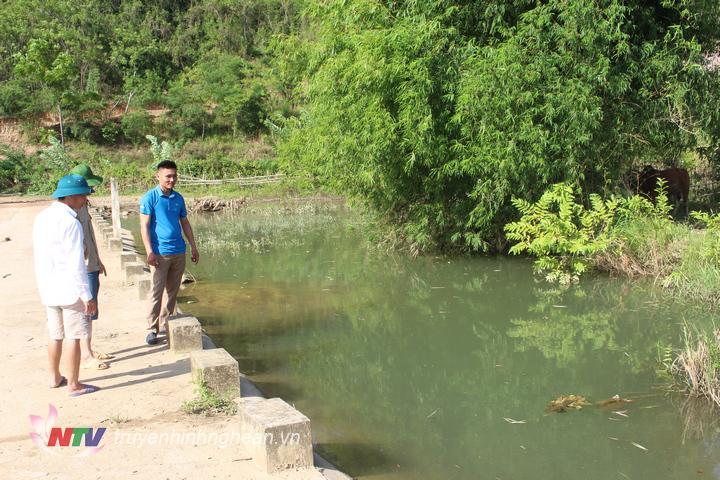 Nơi bé trai bị đuối nước.