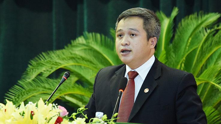 Tân Chủ tịch UBND tỉnh Hà Tĩnh phát biểu nhận nhiệm vụ.