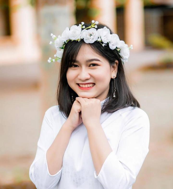 Thí sinh Mai Linh (Trường THPT chuyên Phan Bội Châu), một trong những thí sinh đạt điểm 10 môn Tiếng Anh. Ảnh: Fb nhân vật