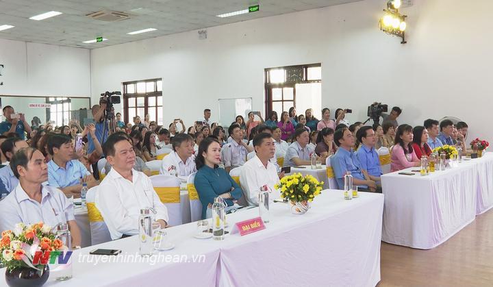 Các đại biểu dự lễ tổng kết và trao giải cuộc thi.