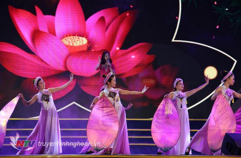 Liên hoan tiếng hát Làng Sen được các địa phương duy trì hàng năm.