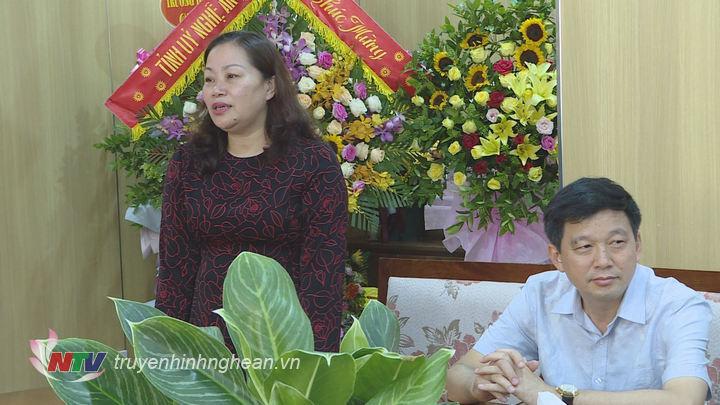 Trưởng Ban Tuyên giáo Tỉnh ủy Nguyễn Thị Thu Hường phát biểu cảm ơn.