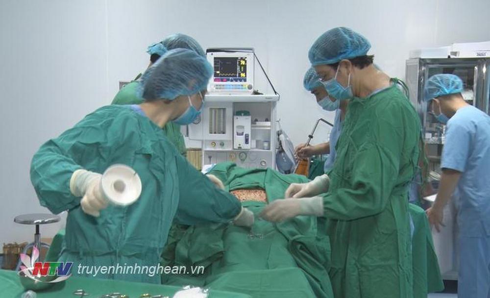 Bệnh viện Đại học Y Vinh triển khai kỹ thuật điều trị thoái hoá khớp bằng Tế bào gốc