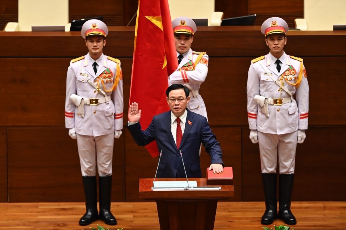 Chủ tịch Quốc hội Vương Đình Huệ tuyên thệ tại kỳ họp thứ 11, Quốc hội khóa XIV.