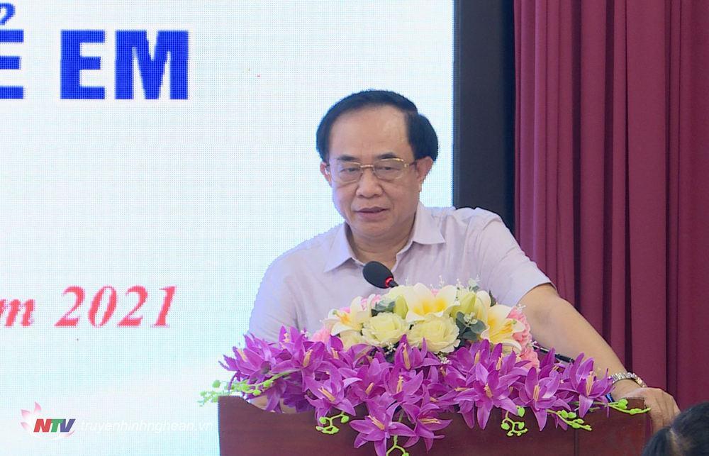 Giám đốc Sở LĐ-TB&XH Đoàn Hồng Vũ phát biểu tại hội nghị.