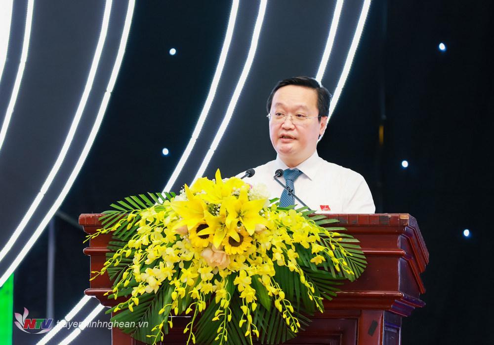 Đồng chí Nguyễn Đức Trung - Phó Bí thư Tỉnh ủy, Chủ tịch UBND tỉnh Nghệ An nhiệm kỳ 2021 - 2026 phát biểu nhận nhiệm vụ.
