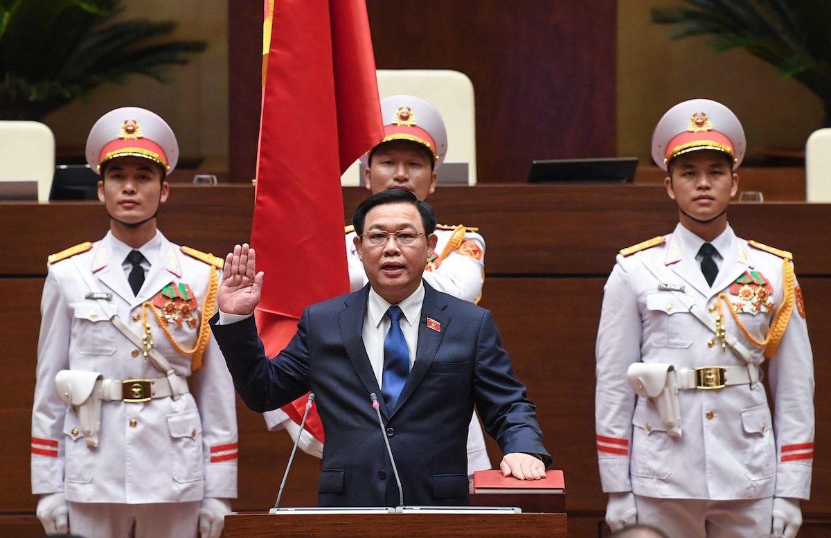 Chủ tịch Quốc hội Vương Đình Huệ tuyên thệ nhậm chức, ngày 20/7. Ảnh: Giang Huy