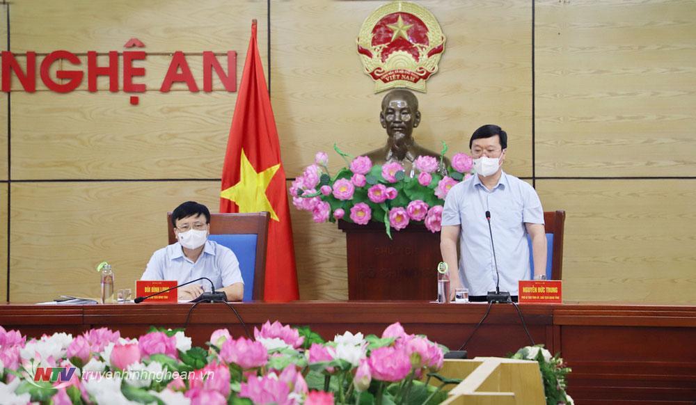Chủ tịch UBND tỉnh Nguyễn Đức Trung phát biểu kết luận tại phiên họp.