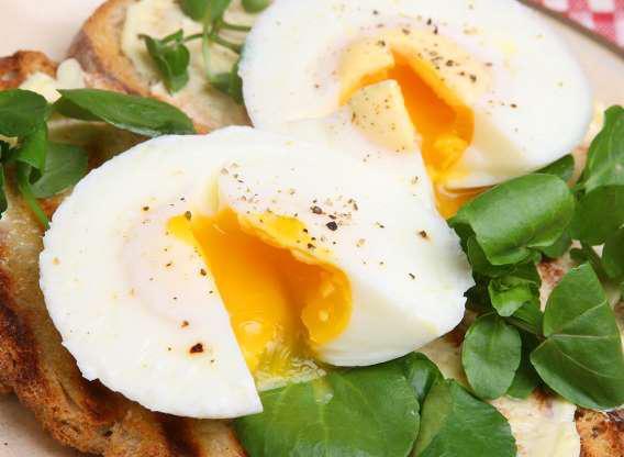 Protein trong trứng hỗ trợ giảm cân hiệu quả.