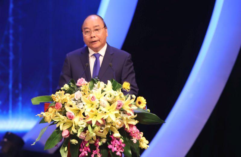 Thủ tướng Nguyễn Xuân Phúc phát biểu tại lễ trao giải.