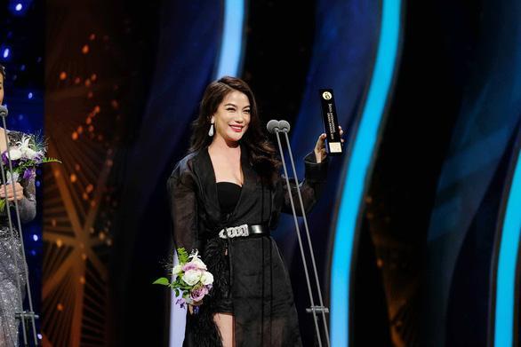   Trương Ngọc Ánh nhận giải 'Ngôi sao châu Á' tại Seoul International Drama Awards 2019 tại Hàn Quốc  