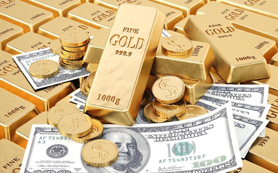 Các gói kích thích kinh tế đè nặng lên sức mạnh của đồng USD, đẩy giá vàng tăng vọt. Ảnh: Reuters.