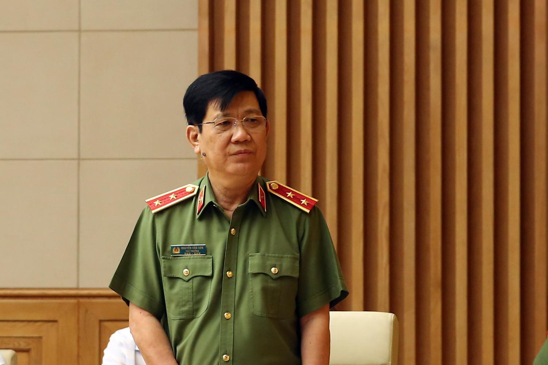 Thứ trưởng Bộ Công an Nguyễn Văn Sơn phát biểu tại cuộc họp.