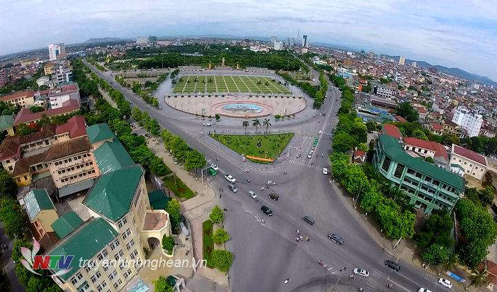 Quảng trường Hồ Chí Minh (TP Vinh) nhìn từ trên cao