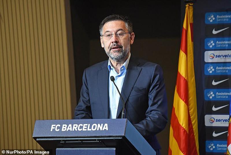 Chủ tịch Josep Bartomeu khiến Messi không hài lòng vì vấn đề phát triển Barcelona.