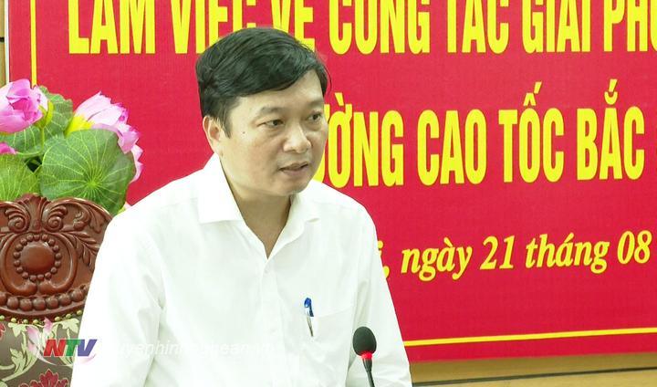 Phó Chủ tịch Thường trực UBND tỉnh Lê Hồng Vinh phát biểu kết luận buổi làm việc.