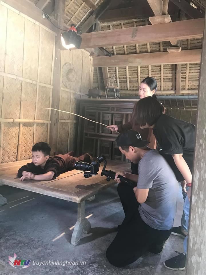 Một cảnh quay trong MV.