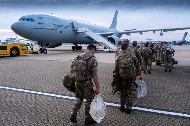 Tổng thống Mỹ Joe Biden điều 5.000 binh sĩ đến Afghanistan để hỗ trợ sơ tán đại sứ quán ở Kabul. Ảnh: AP