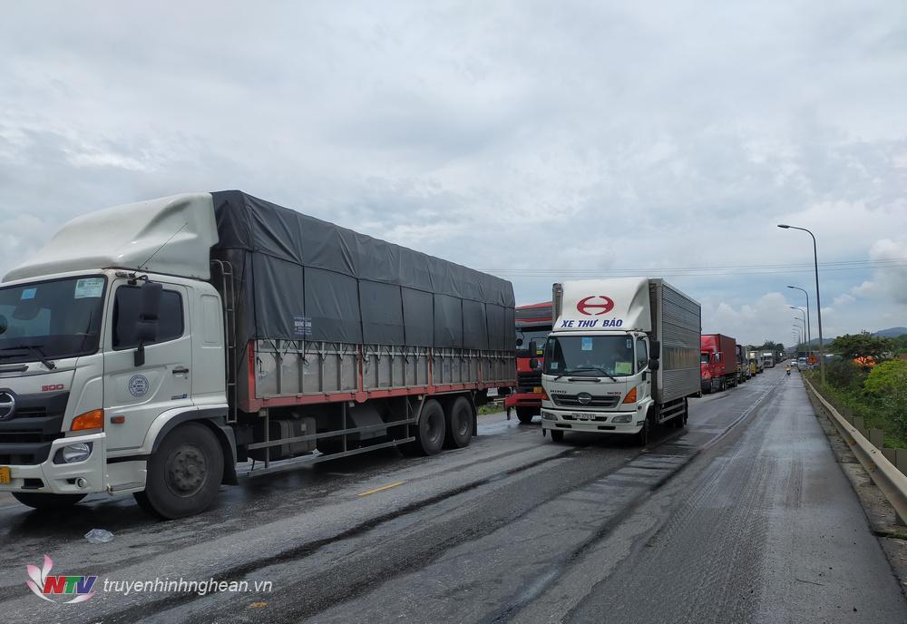 Vu tai nạn gây ách tắc giao thông.