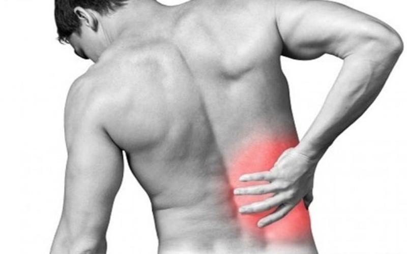 Đau do loãng xương: Loãng xương là tình trạng khiến xương yếu và dễ gãy do mật độ xương thấp. Điều này có thể dẫn đến đau đớn mạn tính và hạn chế di chuyển có thể kéo dài suốt đời.