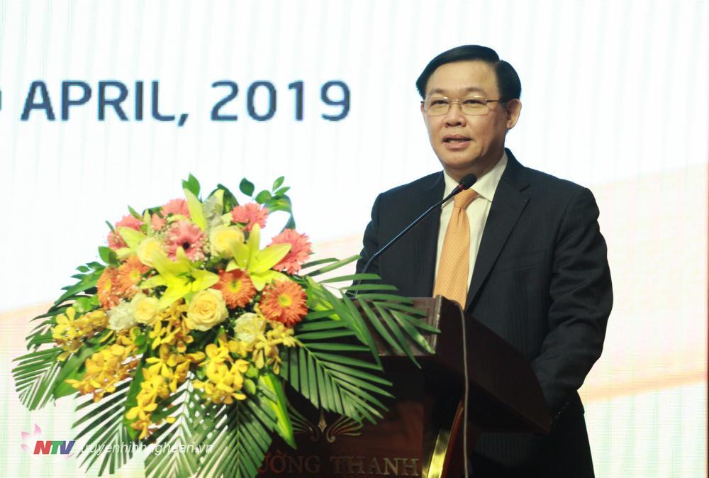 Phó Thủ tướng Chính phủ Vương Đình Huệ phát biểu chỉ đạo hội nghị.