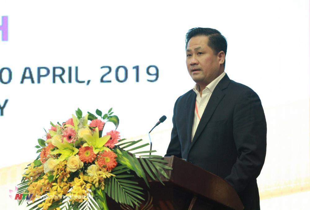 Ông Võ Quang Liên Kha, Phó Tổng giám đốc Công ty CP Du lịch và Tiếp thị GTVT đê xuất các giải pháp phát triển du lịch TP Vinh.