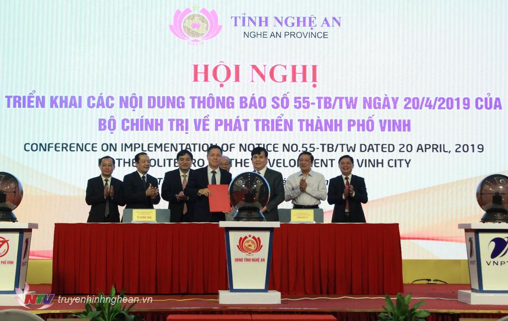 Ký kết thỏa thuận Hợp tác giữa UBND TP Vinh và tập đoàn VNPT.