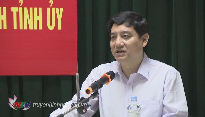 Bí thư Tỉnh ủy Nguyễn Đắc Vinh phát biểu phân công nhiệm vụ tân Trưởng ban Nội chính Tỉnh ủy.