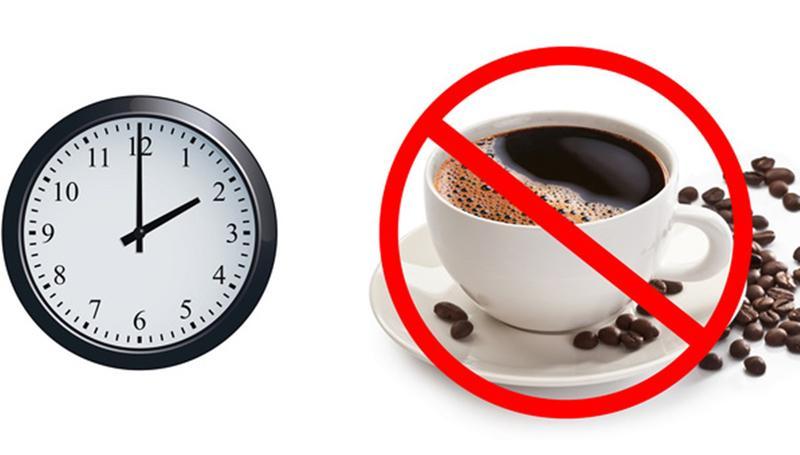 Cafe là một loại đồ uống có chứa chất kích thích, với nhược điểm là gây ảnh hưởng tới giấc ngủ của bạn. Bạn có thể uống 2-3 ly cafe vào buổi sáng. Nhưng sau 2 giờ chiều thì bạn không nên uống cafe, nhất là khi có vấn đề về giấc ngủ, ngủ không ngon...
