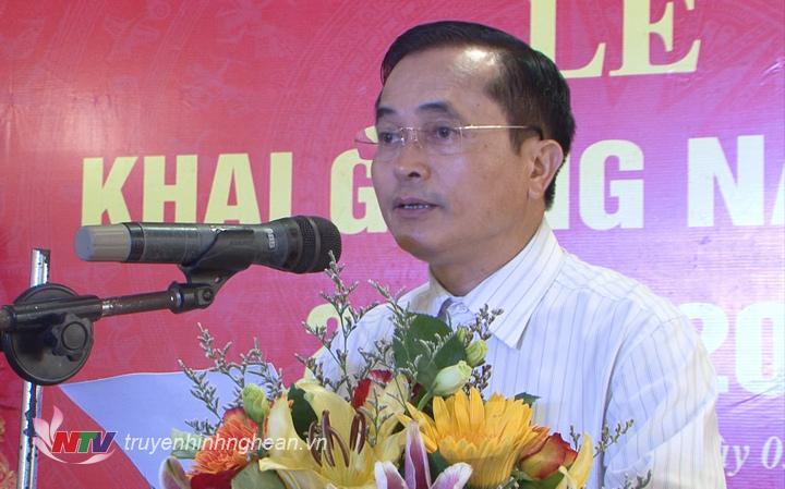 Phó Chủ tịch UBND tỉnh Lê Ngọc Hoa phát biểu tại lễ khai giảng.