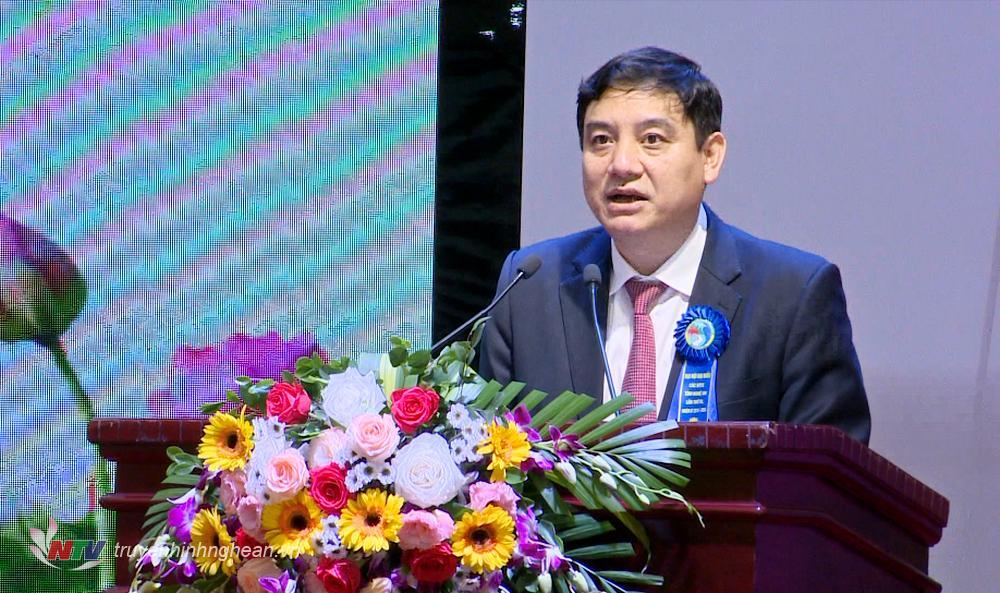 Bí thư Tỉnh ủy Nguyễn Đắc Vinh phát biểu tại Đại hội.
