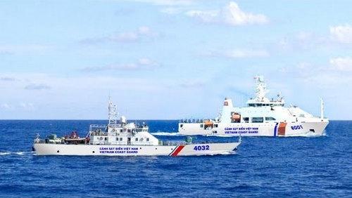 Tàu Cảnh sát biển 8001 (Bộ Tư lệnh Vùng Cảnh sát biển 3) làm nhiệm vụ.