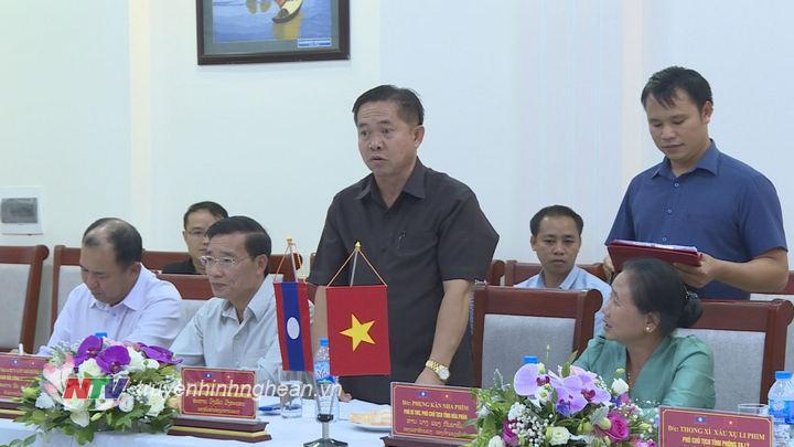 Đại diện Đoàn đại biểu CHDCND lào phát biểu tại buổi chào xã giao.