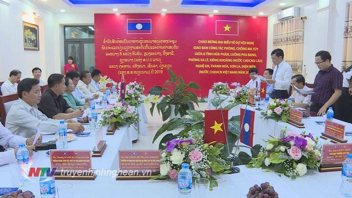 Toàn cảnh buổi chào xã giao đoàn đại biểu của lãnh đạo tỉnh Nghệ An.