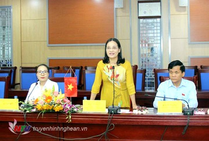 Phó Chủ tịch Thường trực HĐND tỉnh Cao Thị Hiền phát biểu tại buổi làm việc.