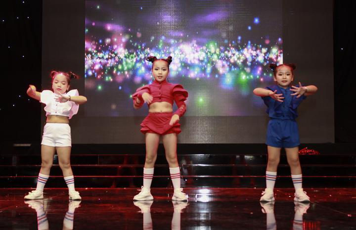 Tiết mục nhảy đặc sắc của các bạn nhỏ.