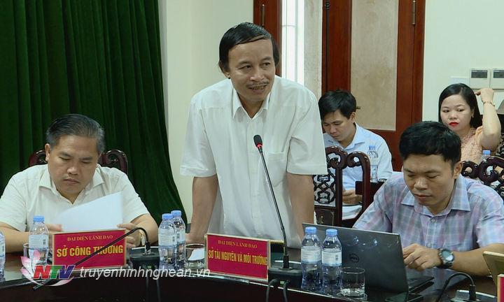 Lãnh đạo Sở Tài nguyên - Môi trường và Tòa án nhân dân tỉnh trả lời