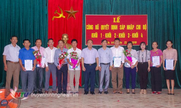 Huyện ủy Yên Thành trao Quyết định bổ nhiệm Bí thư, Phó bí thư chi bộ và các chức danh đoàn thể khối 2 Thị trấn