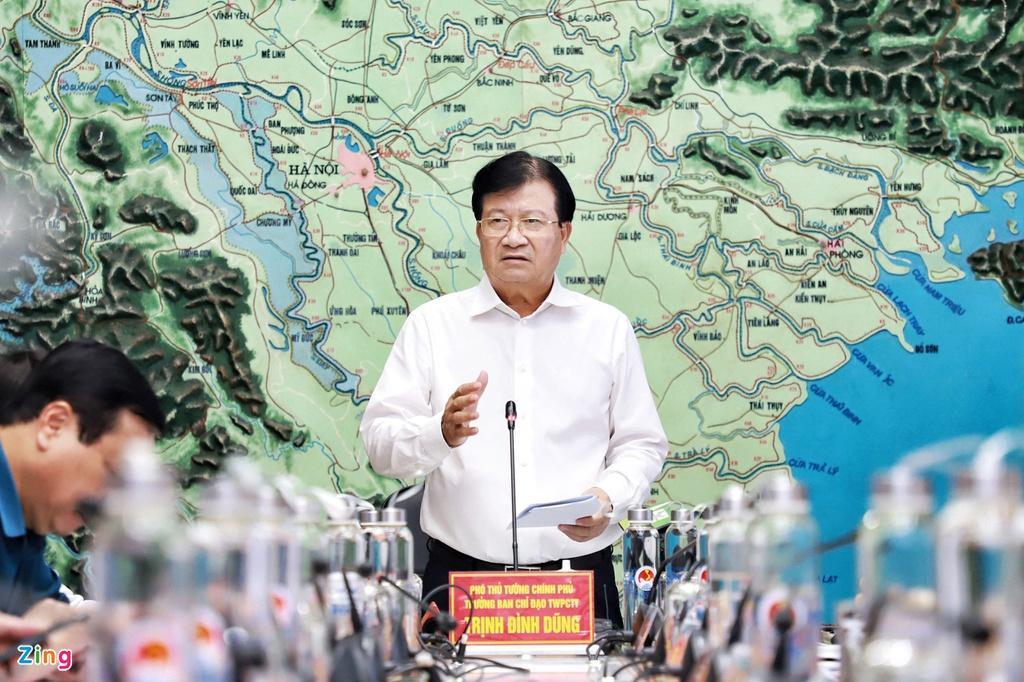 Phó thủ tướng Trịnh Đình Dũng chủ trì cuộc họp ứng phó bão số 5 trưa 16/9.