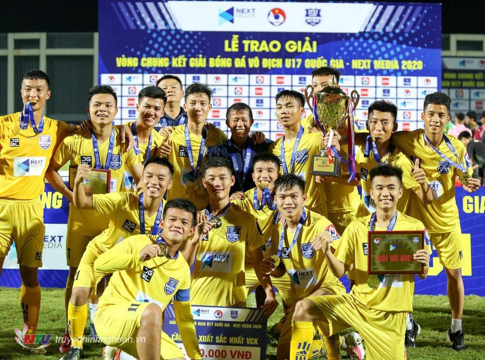 SLNA giành chức vô địch thứ 8 trong lịch sử U17 Quốc gia.