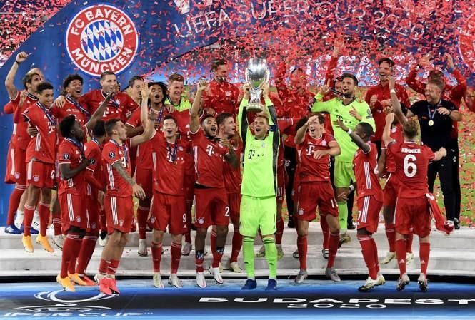 Bayern Munich nâng cao Siêu Cúp châu Âu 2020.