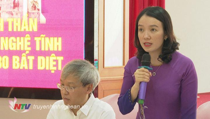 Giám đốc Sở Văn hóa Thể thao Trần Thị Mỹ Hạnh phát biểu mở đầu hội thảo.