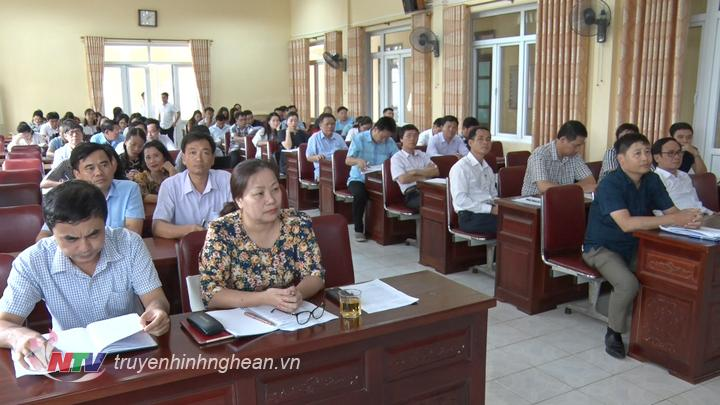 Các đại biểu dự hội nghị.