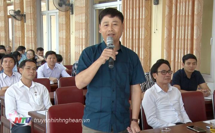 Chủ tịch Hội Nhà báo tỉnh Nghệ An Trần Minh Ngọc phát biểu tại hội nghị.