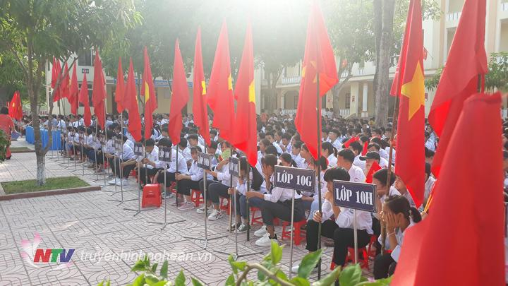 không khí khai giảng năm.học mới tại trường THPT Đặng Thai Mai huyện Thanh Chương.