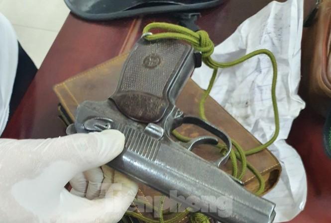 Khẩu súng Công an Bắc Ninh thu giữ trong quá trình truy bắt đối tượng Kiên